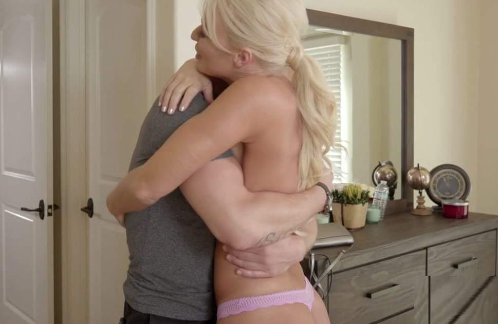 London River, Zac Wild -My Mommy love erotic massage HD mp4