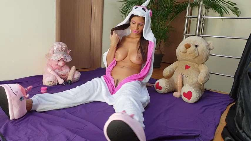 Una Alexandar - Daddy's little girl play with Big Horse Dildo SD mp4