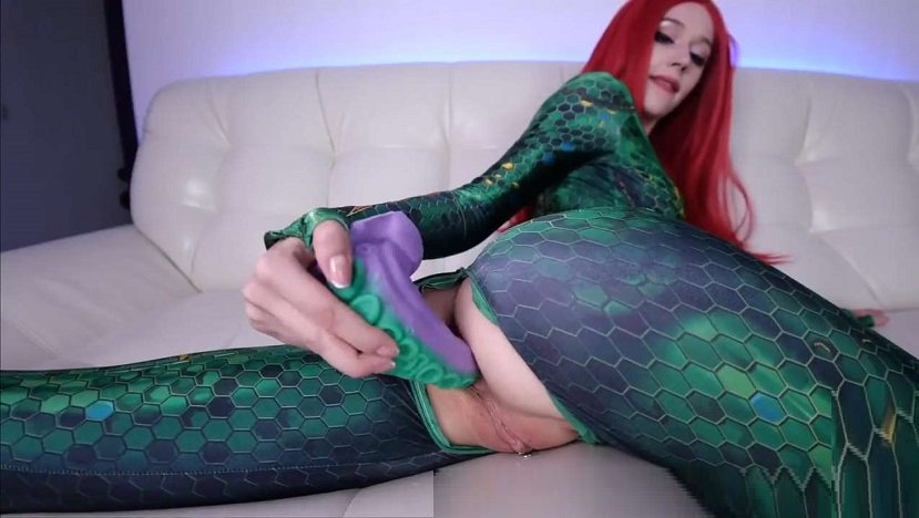 Purple Bitch – Mera plays with BadDragon toy fucks pussy and ass HD mp4