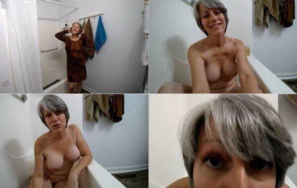 Nanny MoRina Bath and BJ - MoRina FullHD 1080p