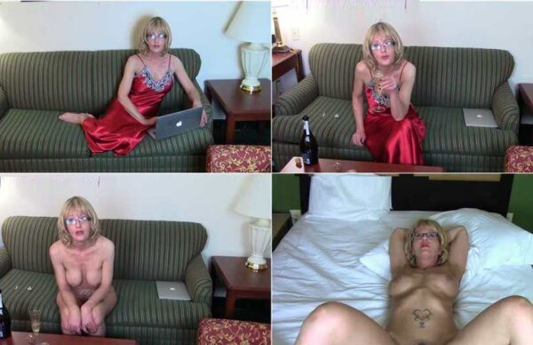 A Step-Mother's Love is the Purest Love Valentine's Day - Cum for Mommy FullHD 1080p